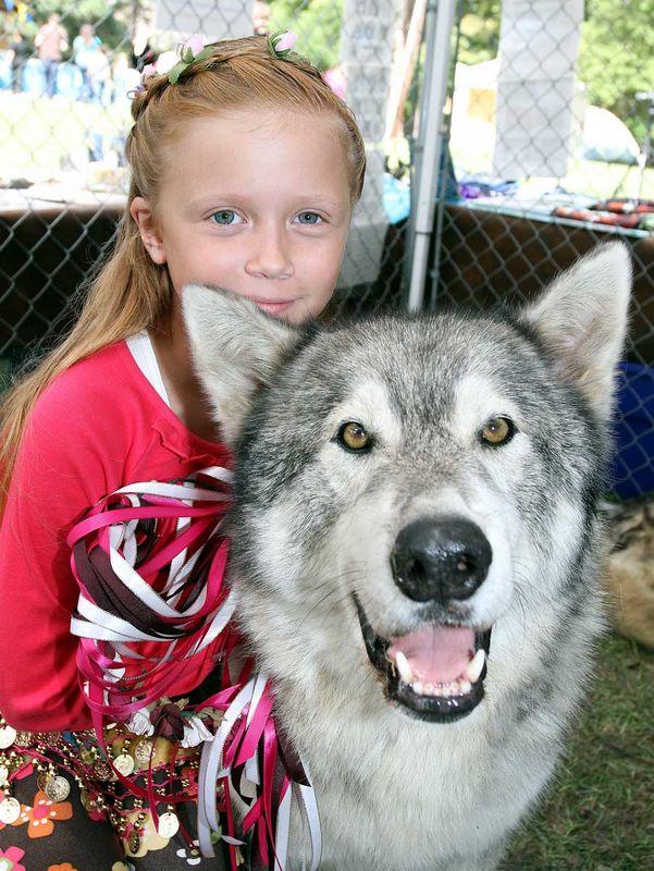 Lakewood Lions Renn Faire Sept 2011 Bandit & friend